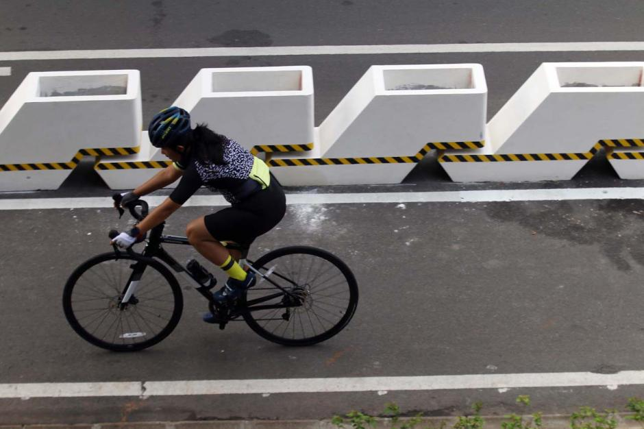 Minim Sosialisasi, Penggunaan Jalur Permanen Pesepeda di Kawasan Sudirman Belum Maksimal-2