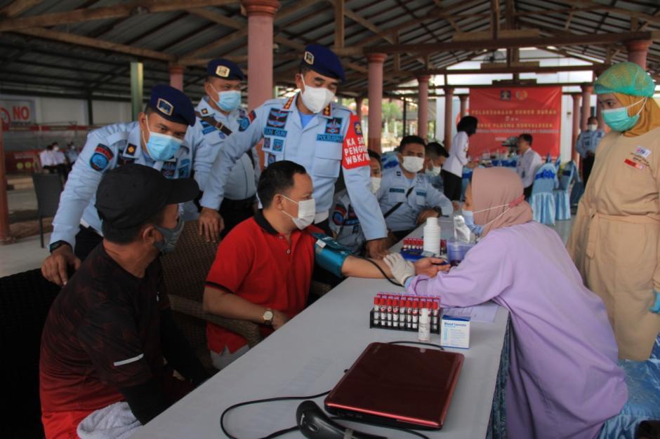 Petugas dan WBP Lapas Porong Survivor Covid-19 Ikuti Donor Darah Plasma Konvalesen-2