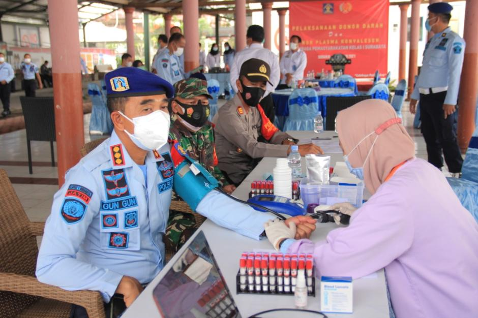 Petugas dan WBP Lapas Porong Survivor Covid-19 Ikuti Donor Darah Plasma Konvalesen-1