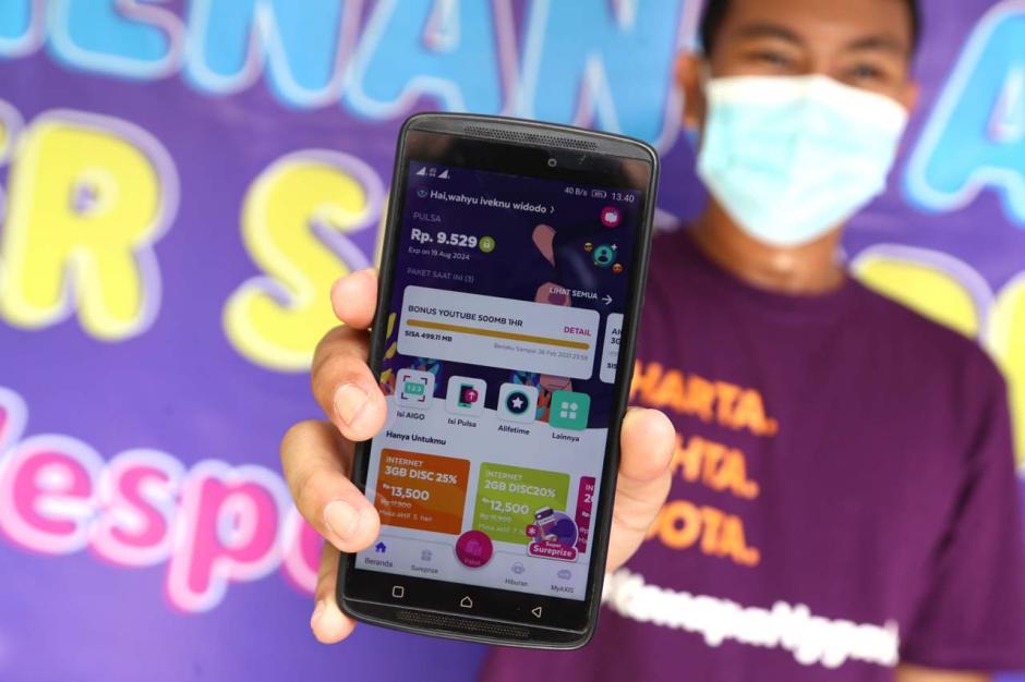 Beli Paket Internet Axis, Pria Jombang Jawa Timur Ini Dapat Hadiah Vespa LX125-3