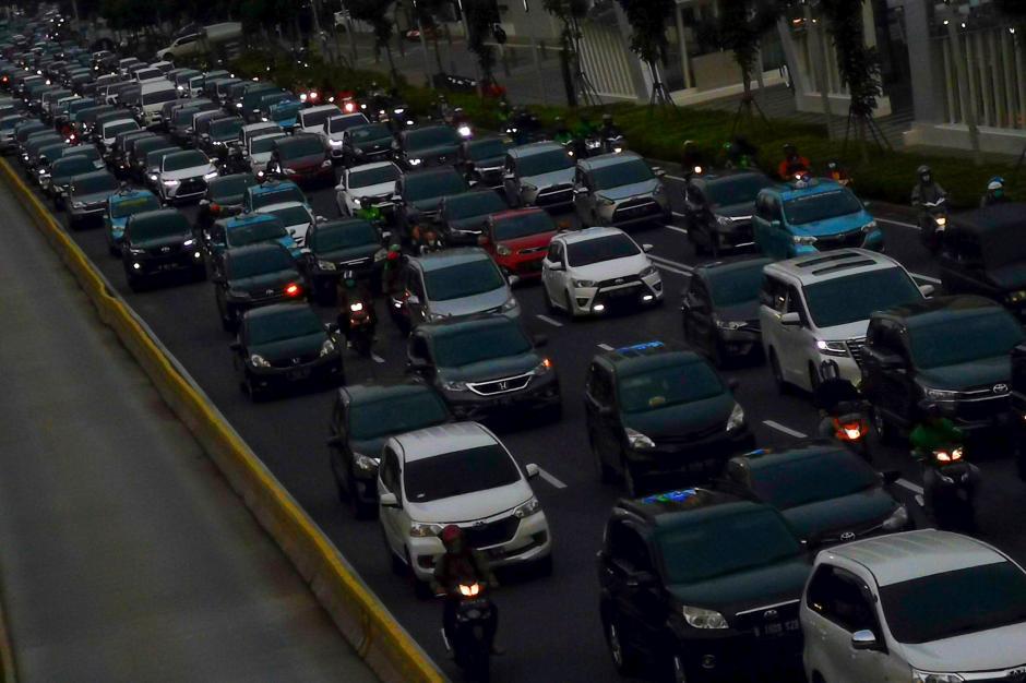 Siap-Siap, Mobil Usia 10 Tahun Dilarang Mengaspal di Jakarta-3