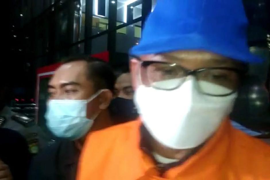 Gubernur Sulsel Nurdin Abdullah Resmi Jadi Tersangka Suap dan Gratifikasi-2