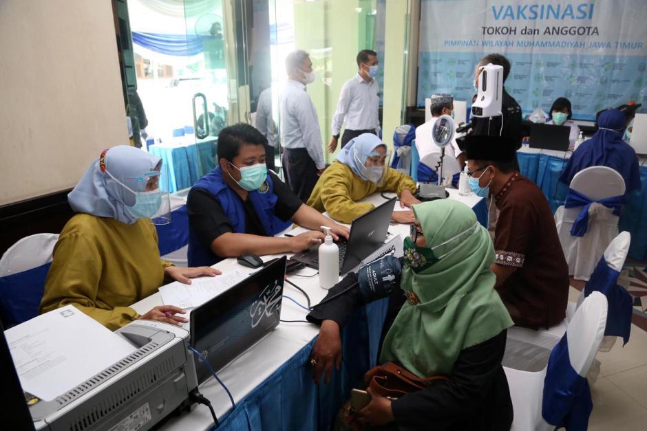 Ratusan Tokoh Muhammadiyah dan Aisyiyah Jawa Timur Disuntik Vaksin Covid-19-1