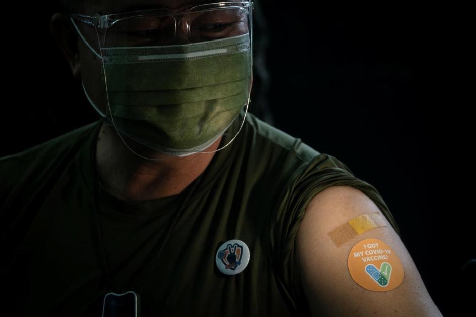 Dapat Bantuan Vaksin Sinovac dari China, Militer Filipina Mulai Vaksinasi Covid-19-1