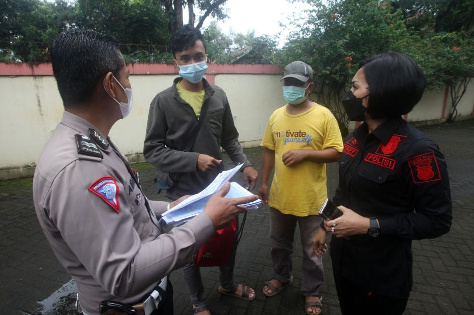 Ditlantas Polda Metro Jaya Layani Pembuatan SIM untuk Korban Banjir Jakarta-0