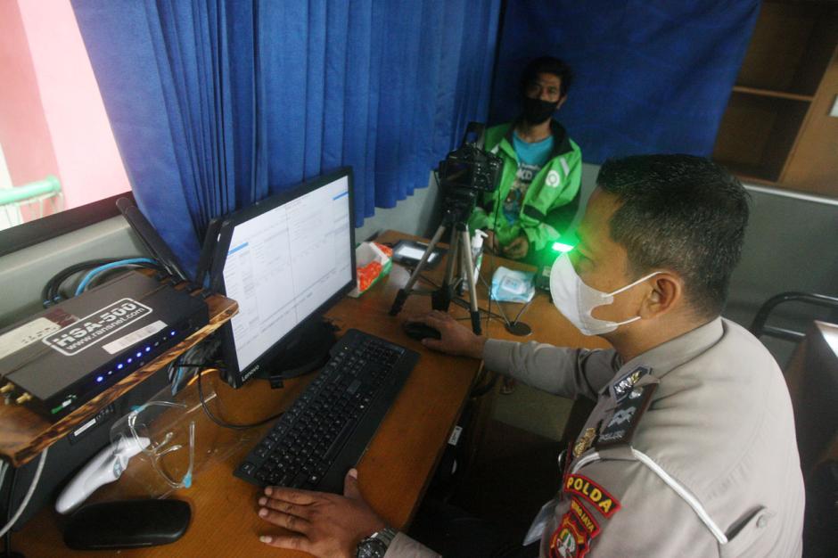 Ditlantas Polda Metro Jaya Layani Pembuatan SIM untuk Korban Banjir Jakarta-1