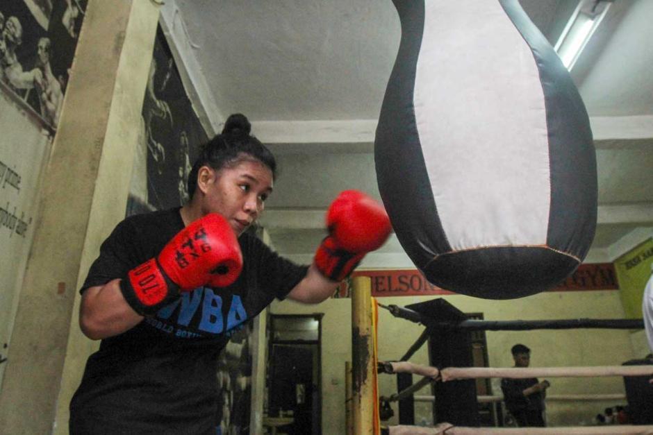 Mengintip Semangat Petinju Wanita Juara WBA Asia Kelahiran Manado Berlatih di Tengah Pandemi-0