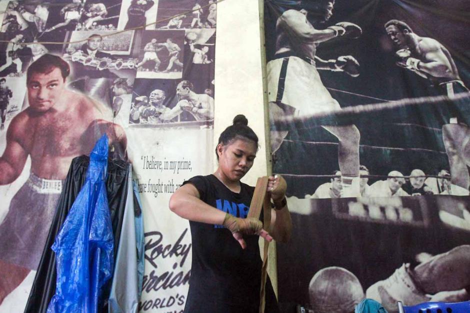 Mengintip Semangat Petinju Wanita Juara WBA Asia Kelahiran Manado Berlatih di Tengah Pandemi-3