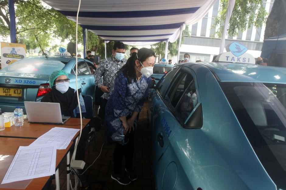 Bluebird Gelar Vaksinasi Pengemudi dan Lansia Menuju Herd Immunity-2