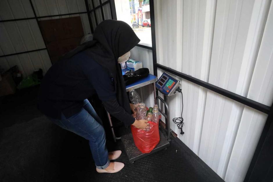 Boks Penerimaan Sampah Anorganik Aplikasi Rekosistem-1