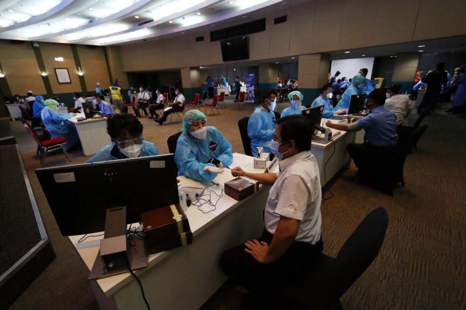 11.300 Petugas dan Karyawan Bandara Soekarno Hatta Divaksinasi Covid-19-3