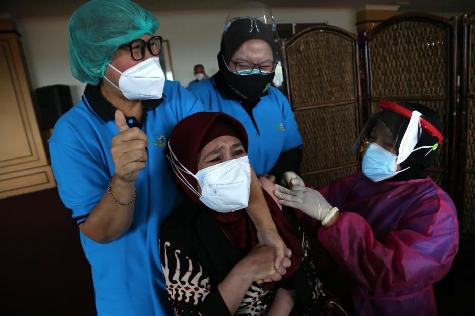 Vaksinasi Covid-19, Sebuah Ikhtiar untuk Akhiri Pandemi di Indonesia-5
