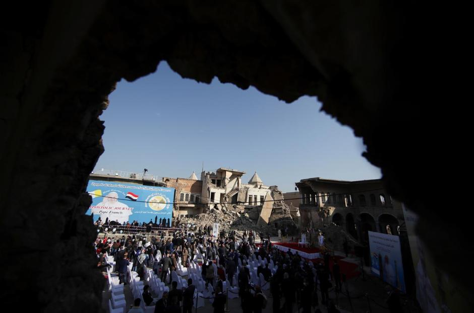 Warga Irak Sambut Paus Fransiskus di Bekas Pertahanan ISIS-4