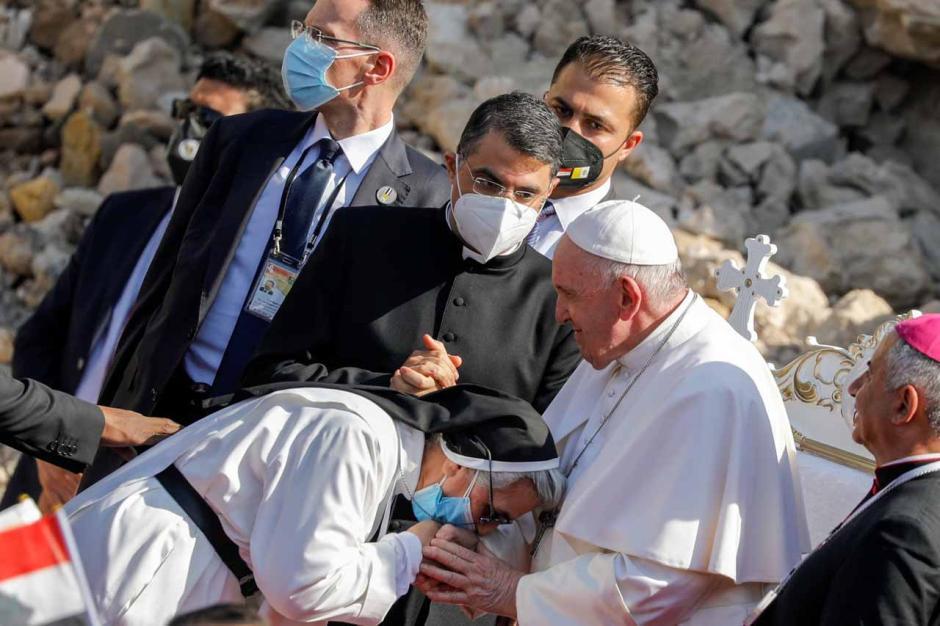 Paus Fransiskus Doakan Korban Perang Irak di Kota Tua Mosul-2