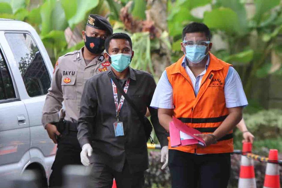 Tersangka Ferdy Yuman Jalani Pemeriksaan Lanjutan di KPK-2