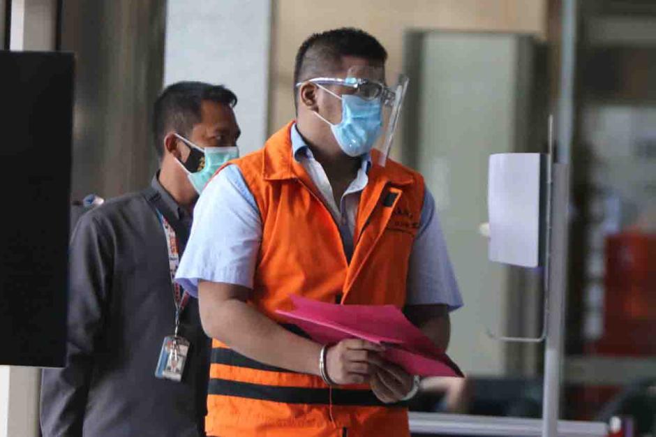 Tersangka Ferdy Yuman Jalani Pemeriksaan Lanjutan di KPK-1