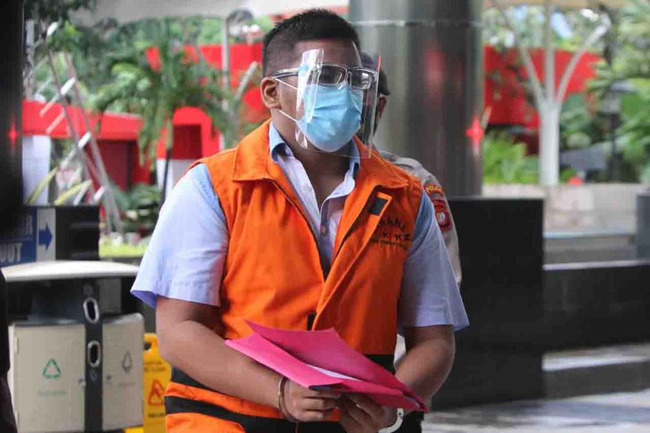 Tersangka Ferdy Yuman Jalani Pemeriksaan Lanjutan di KPK-0