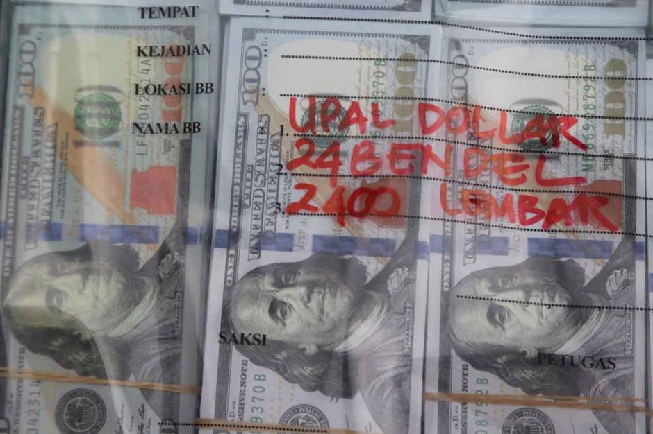 Ringkus Sindikat Uang Palsu, Polisi Sita 15.000 Lembar Dolar Amerika-3