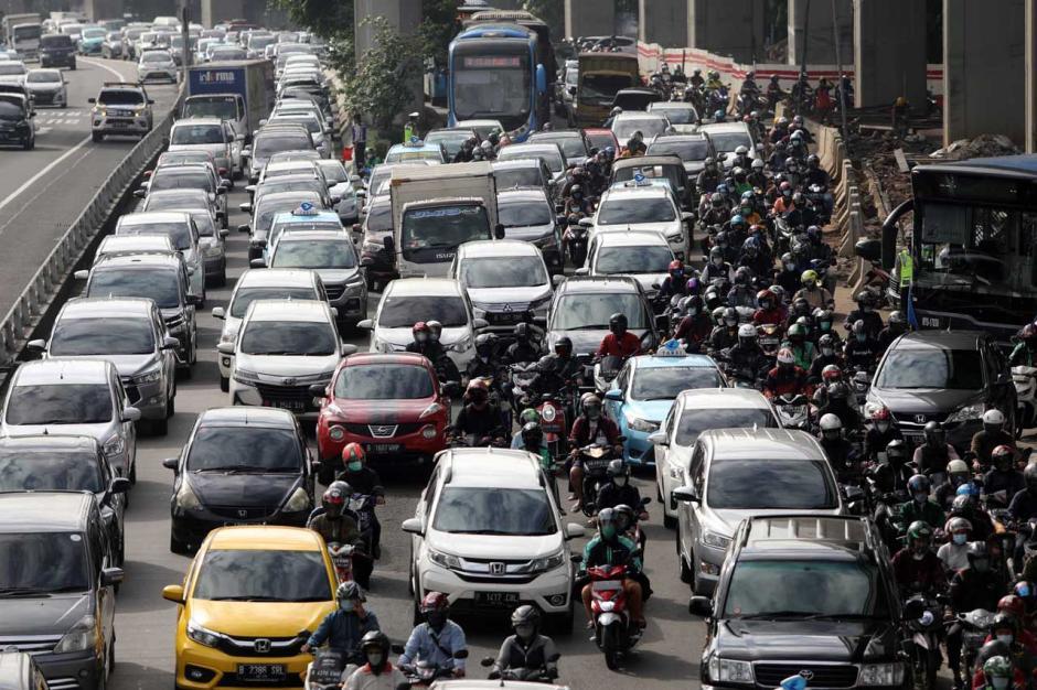 Perpanjangan PPKM Mikro Berdampak Kemacetan di Ibukota-3