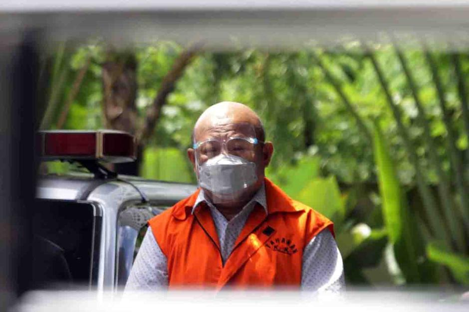 Kasus Suap Bupati Banggai Laut, Tersangka Hengky Thiono Jalani Pemeriksaan Lanjutan-2