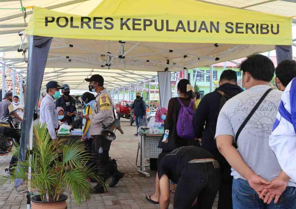 Warga dan Wisatawan di Kepulauan Seribu Ikuti Rapid Test Antigen Gratis-2