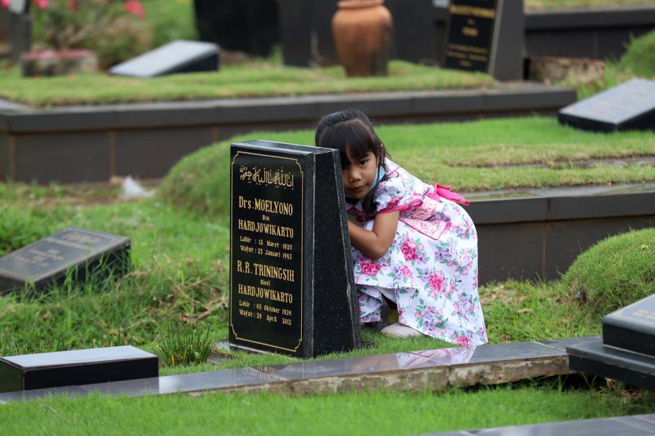 Ziarah Kubur di Tengah Pandemi Menjelang Ramadhan-5