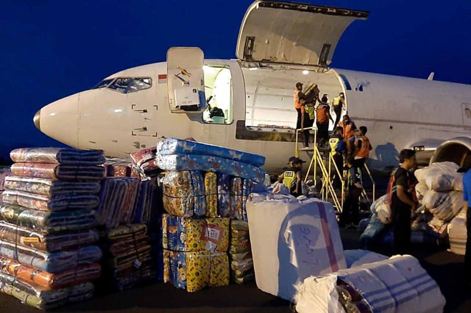 Bantuan Logistik untuk Korban Banjir NTT Tiba di Bandara Frans Seda-1