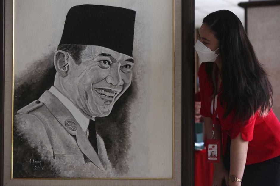 Untag Surabaya Tuan Rumah Peresmian Lukisan Bung Karno dan Marhaen-0
