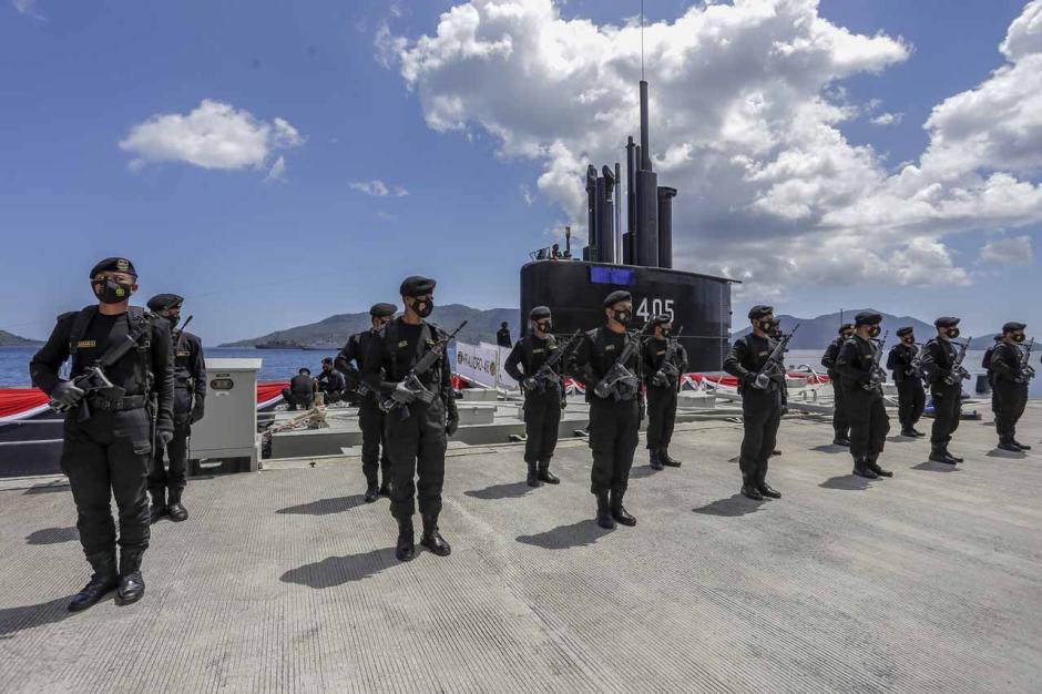 Panglima TNI Hadiri Peresmian Kapal Selam KRI Alugoro-405-2