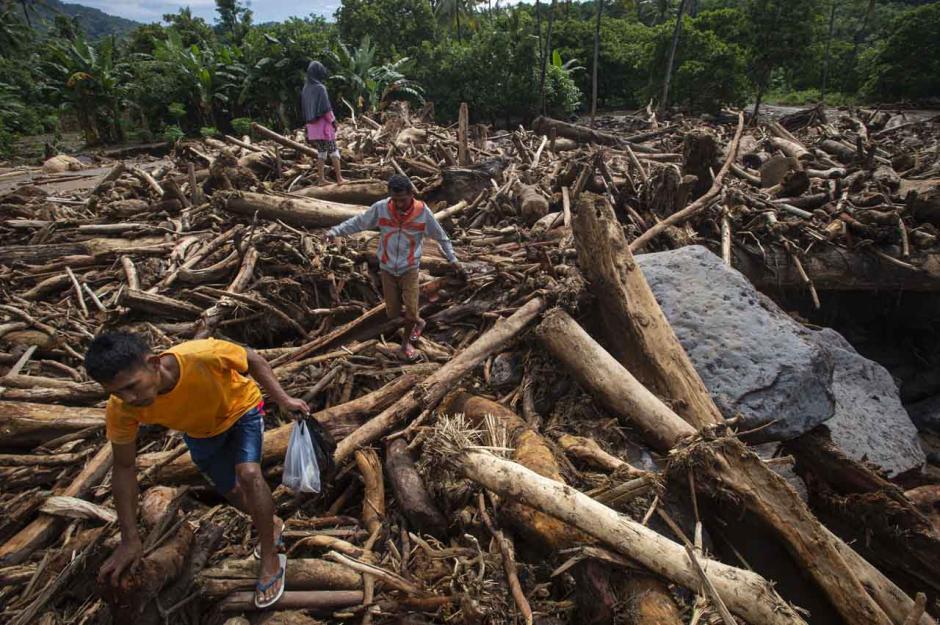 WALHI: Kerusakan Lingkungan Picu Banjir Bandang di NTT-0