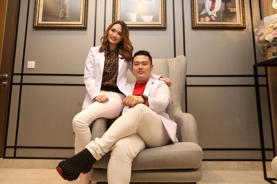 Potret dr. Farrah Raktion, Dokter Cantik di Balik Gurihnya Kuliner Honey Pok-4