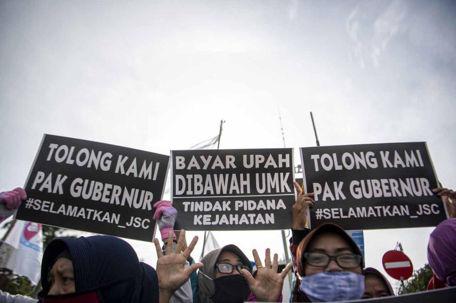 10 Bulan Tak Digaji, Ratusan Karyawan Jakabaring Sport City Mogok Kerja-2