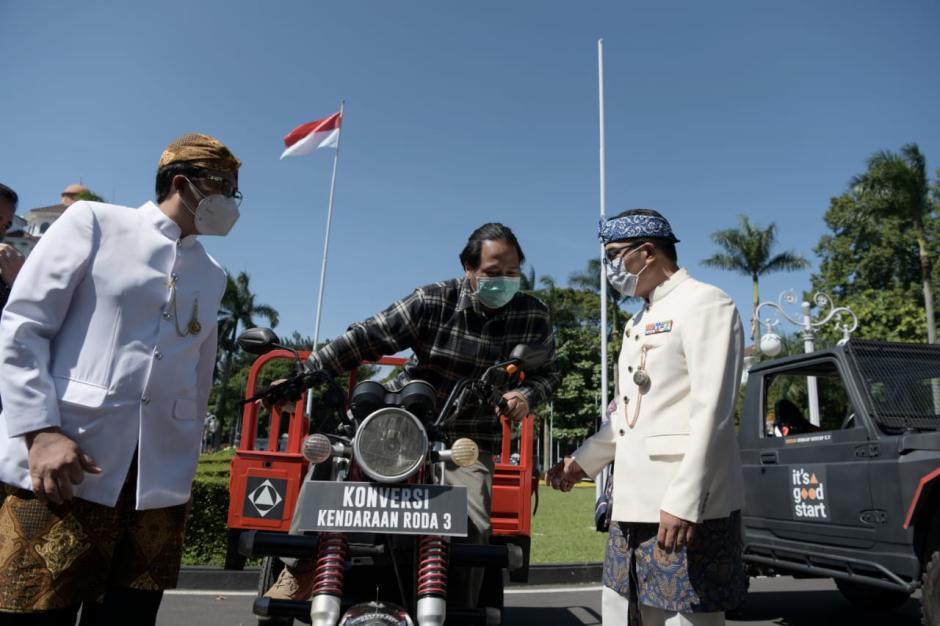 Ridwan Kamil Dorong Peneliti dan Mahasiswa Riset Kendaraan Listrik-0