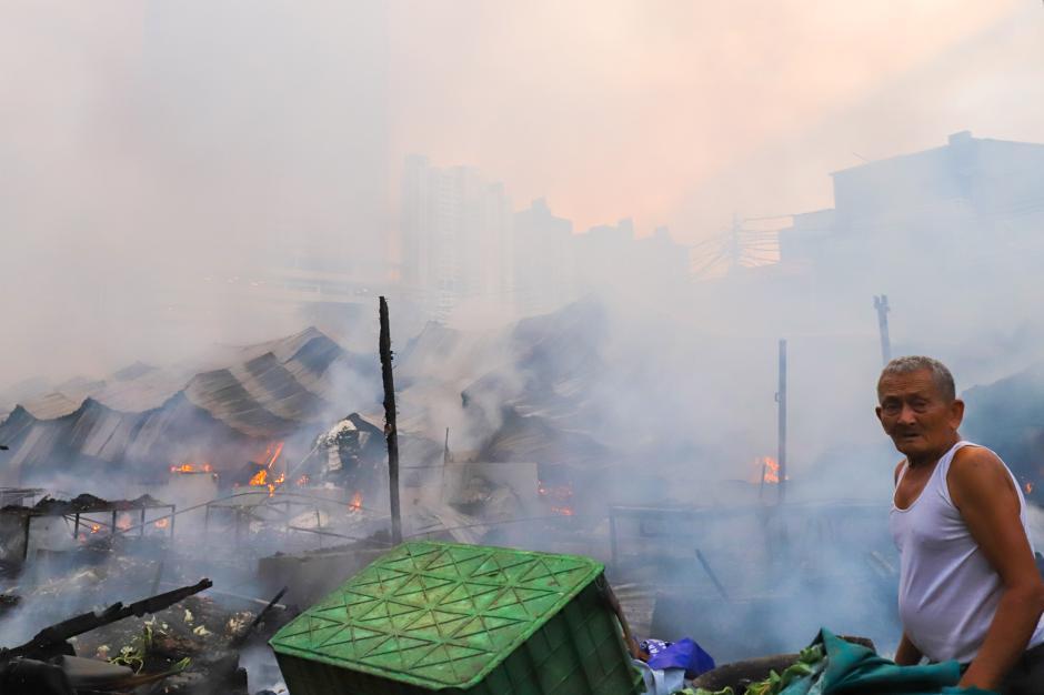 Kebakaran Hebat Hanguskan Permukiman di Pasar Kambing Tanah Abang-6