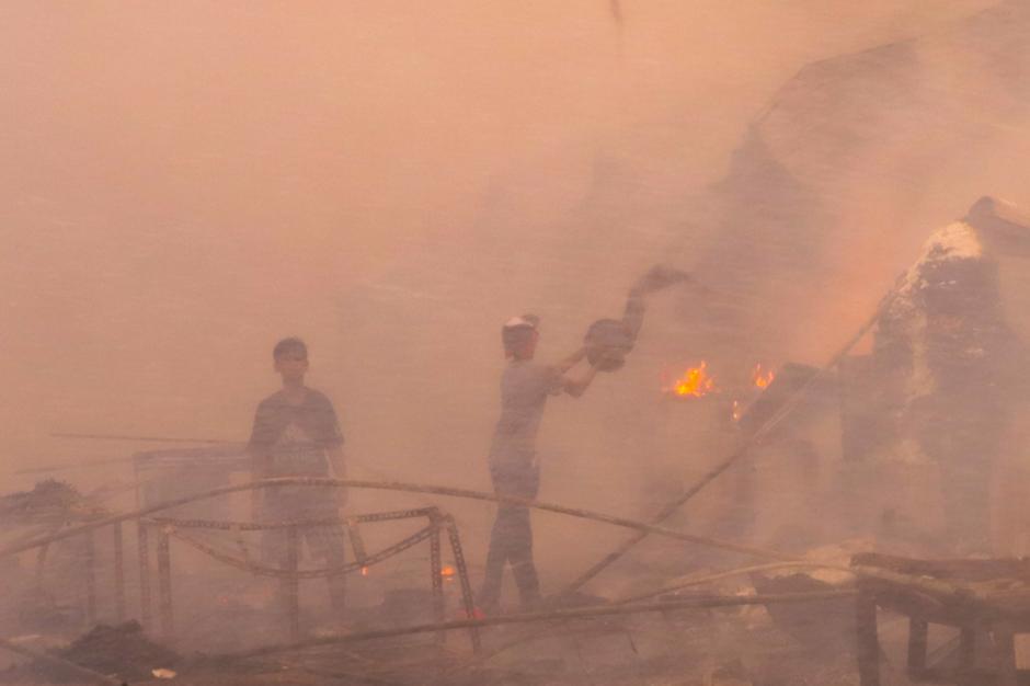 Kebakaran Hebat Hanguskan Permukiman di Pasar Kambing Tanah Abang-1