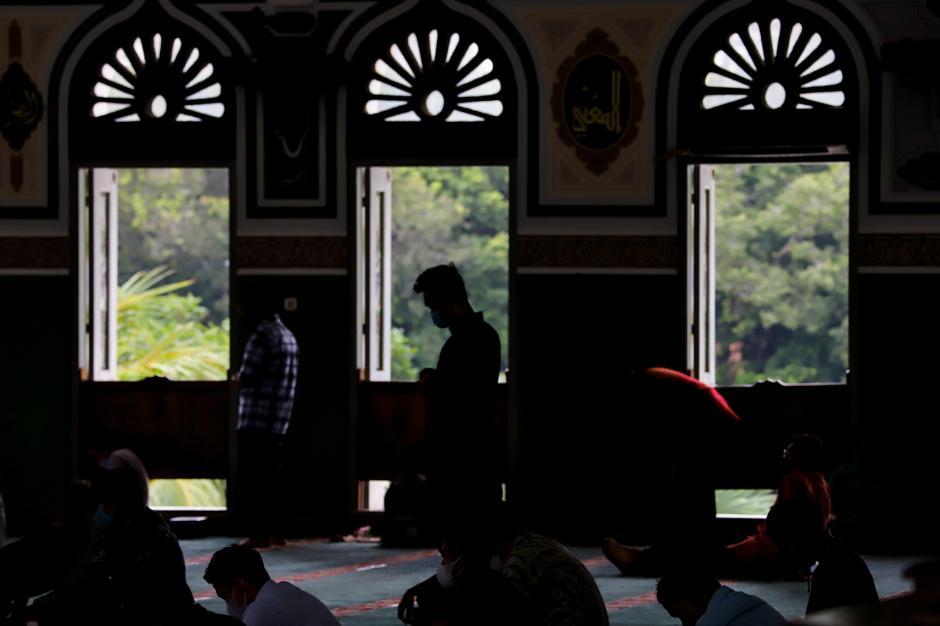 Masjid Agung Al-Azhar Jaksel Gelar Tarawih dan Pembagian Takjil Drive Thru-0