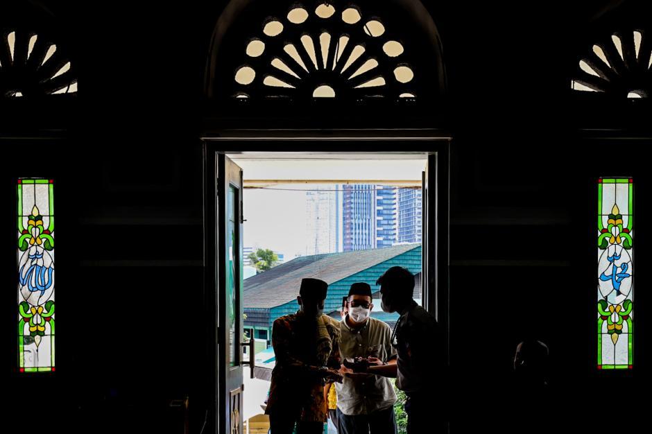 Masjid Agung Al-Azhar Jaksel Gelar Tarawih dan Pembagian Takjil Drive Thru-2
