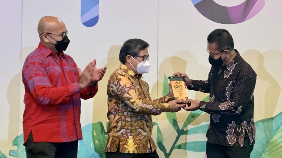 Konsisten Pengembangan Masyarakat Berwawasan Lingkungan, Kaltim Nitrate Indonesia Raih Indonesia Green Awards 2021-3
