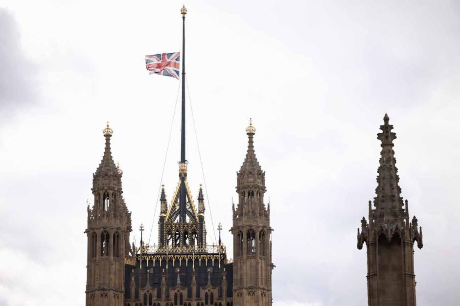 Pangeran Philip Tutup Usia, Rakyat Inggris Berduka-5