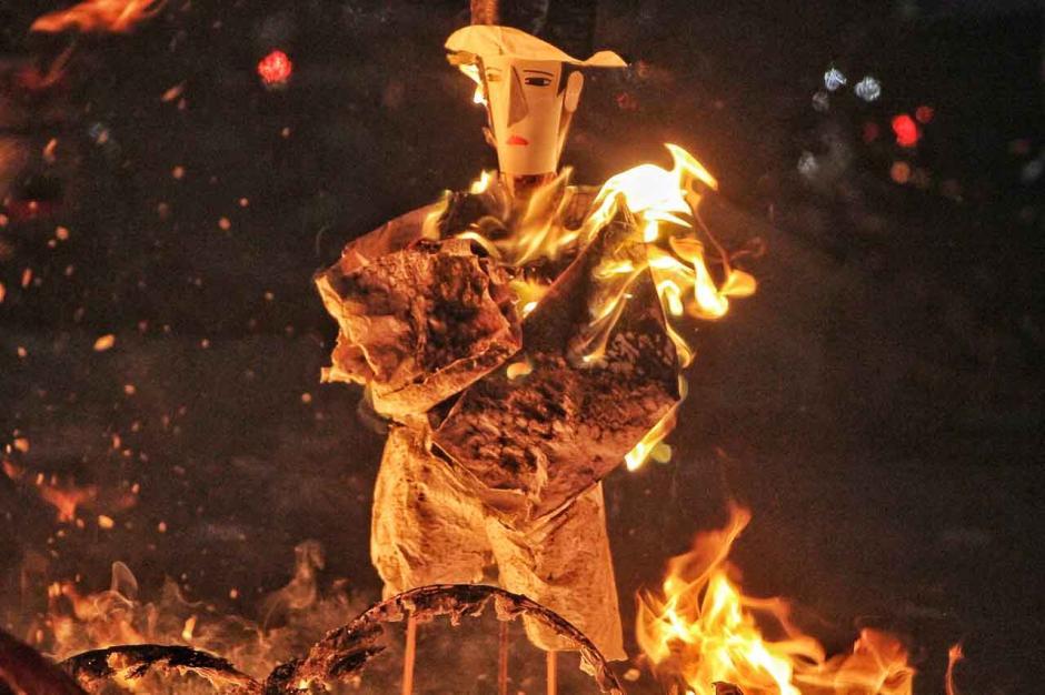 Prosesi Tradisi Chau Tu di Makassar-1
