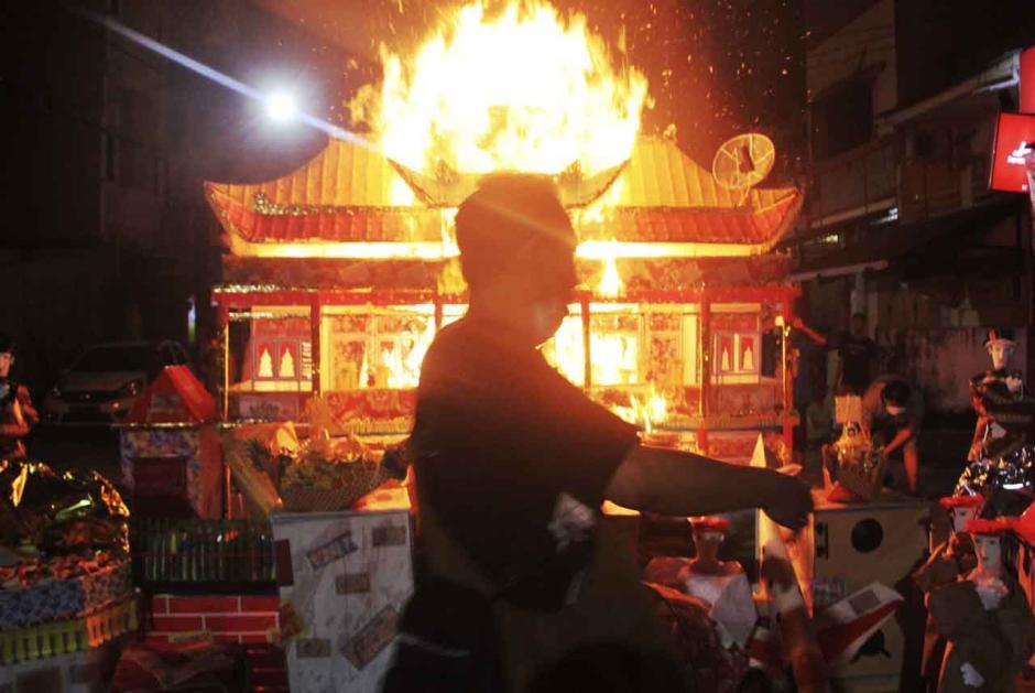 Prosesi Tradisi Chau Tu di Makassar-2
