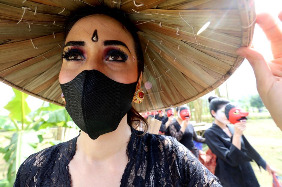 Sambut Hari Kartini, Smesco Gelar Fashion dan Tarian Teatrikal-3