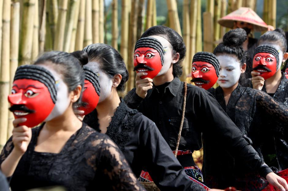 Sambut Hari Kartini, Smesco Gelar Fashion dan Tarian Teatrikal-2
