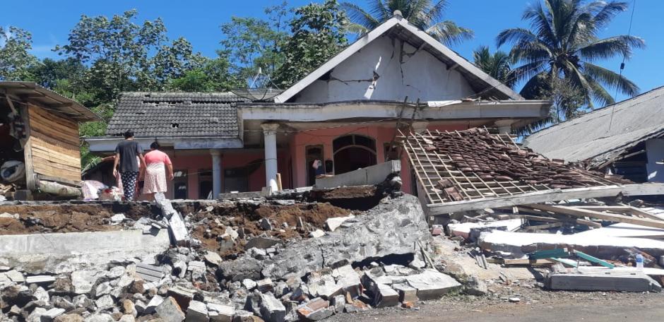 Ratusan Rumah di Lumajang Rata dengan Tanah Akibat Gempa Malang-5