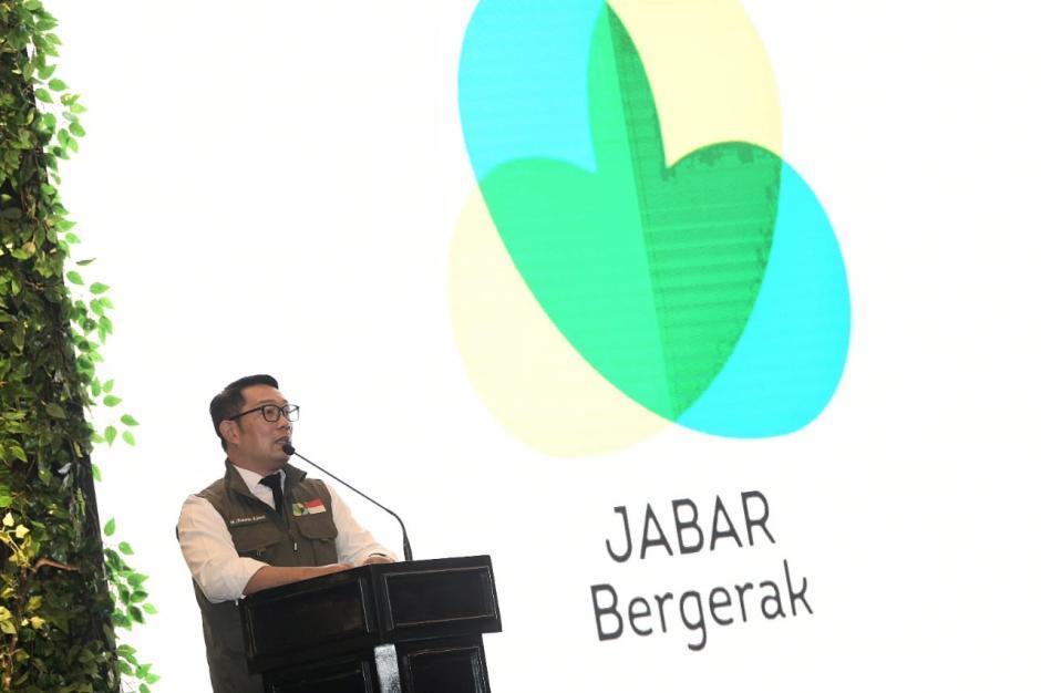 Ridwan Kamil Hadiri Jabar Bergerak Award 2021-3