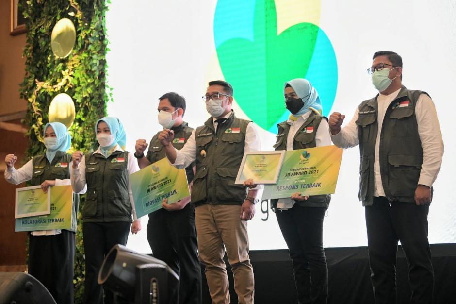 Ridwan Kamil Hadiri Jabar Bergerak Award 2021-1