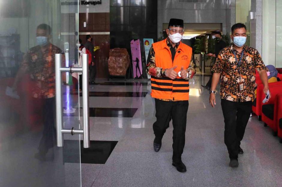 KPK Perpanjang Masa Tahanan Tersangka Bupati Muara Enim Juarsah-0