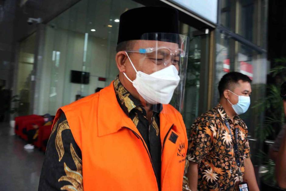 KPK Perpanjang Masa Tahanan Tersangka Bupati Muara Enim Juarsah-2