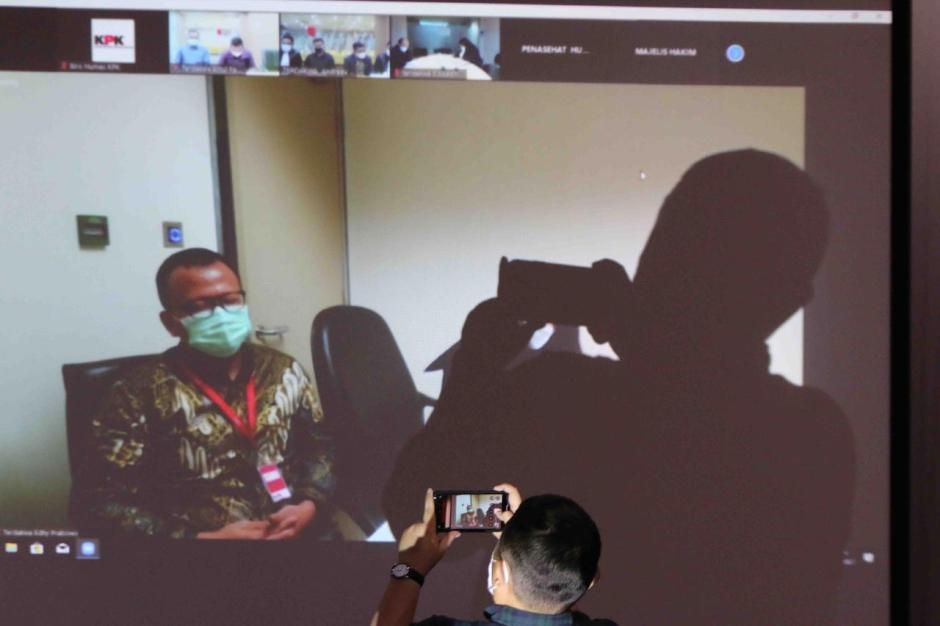 Digelar Secara Virtual, Eks Menteri Kelautan dan Perikanan Edhy Prabowo Jalani Sidang Perdana-0