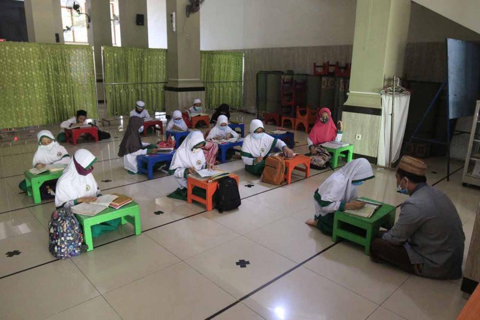Menunggu Waktu Berbuka Puasa dengan Belajar Al-Quran-3